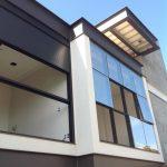 Casa com Arquitetura Moderna em São José do Rio Preto - Detalhes das Janelas