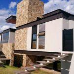 Arquitetura Moderna Casa Fachada Lateral em São José do Rio Preto