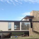 Arquitetura Moderna Casa Frente em São José do Rio Preto