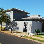Residência Contemporânea por Arquitetos - Finalização de Obra